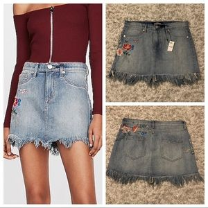 *NWT* Express 'Embroided Denim Mini Skirt'